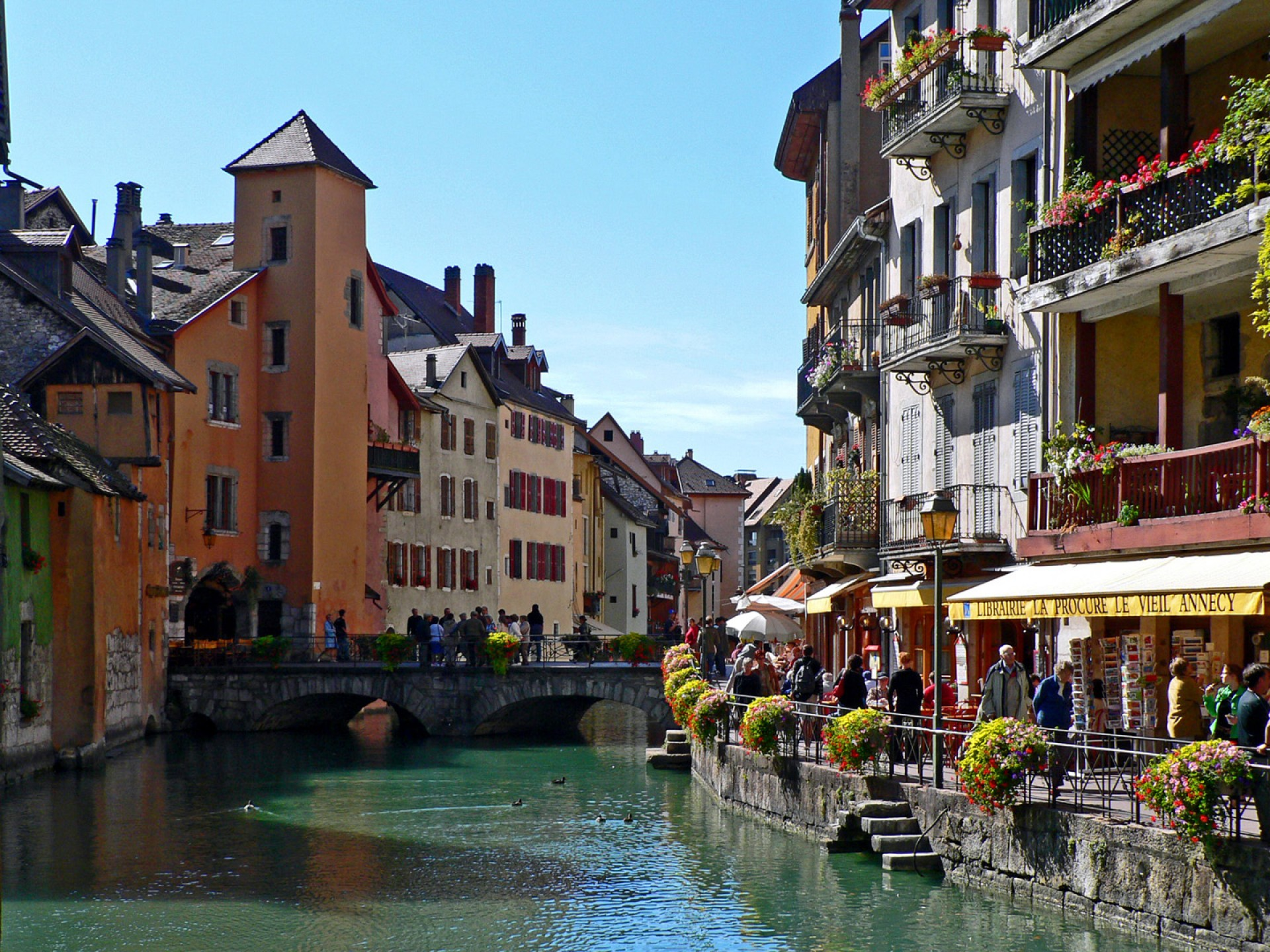 canaux-vieille-ville-annecy